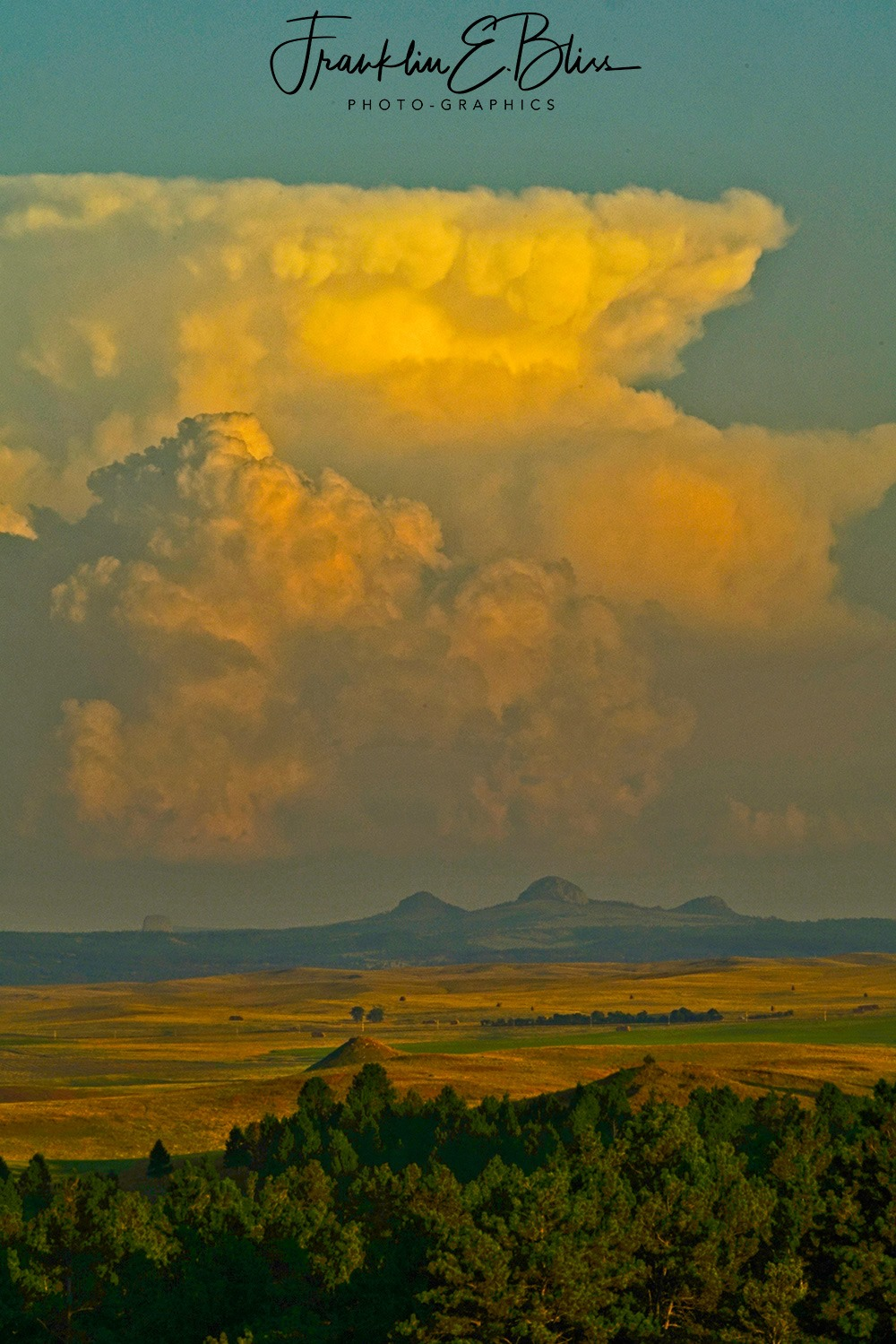 Missouri Buttes and Devils Tower