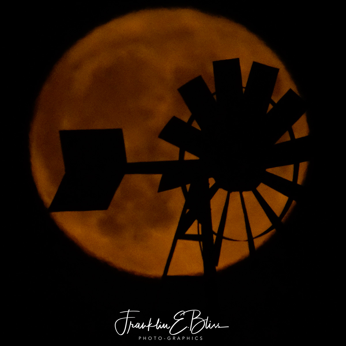Windmill Filter for a Bright Full Moon