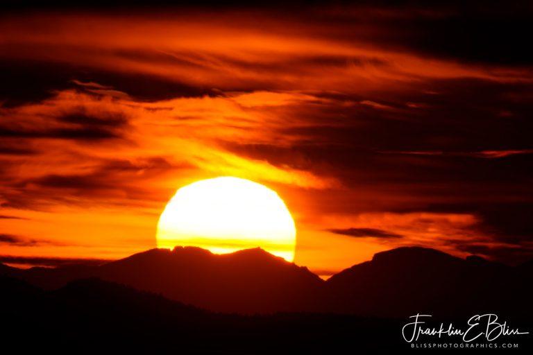 Sun Settling on the BigHorns 110719B
