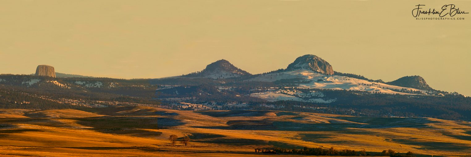DevilsTower/MissouriButtes 3:1 Aspect