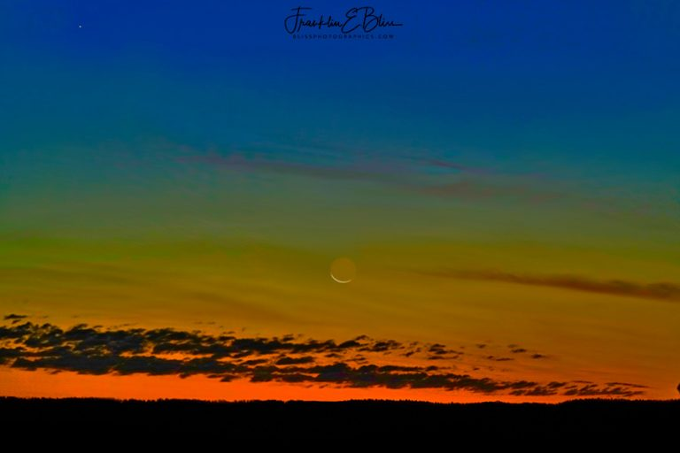 Crescent Moon Rising in Alpenglow 110319Y