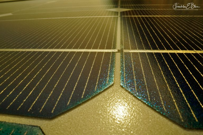 Solar Panels for Pumping Water110819A