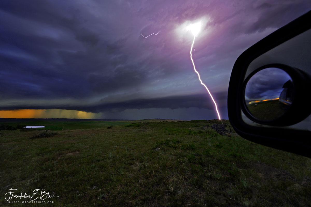 Shelf Cloud Lightning Bolt