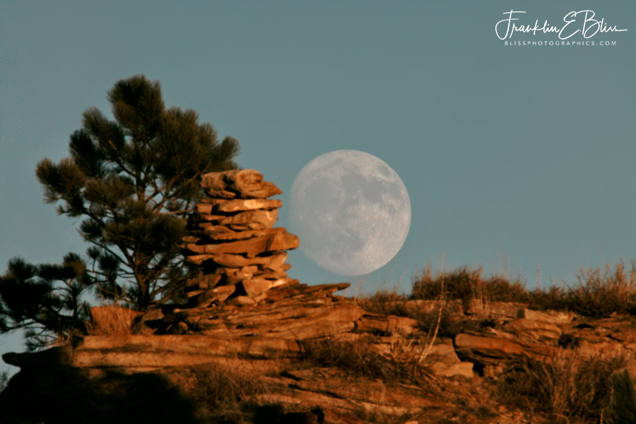 Sheepherder Cairn Moon Rise