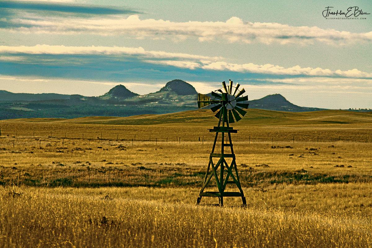 Missouri Buttes Windmills Perspective