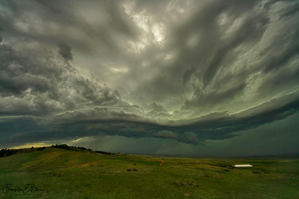 Mesocyclone Sinuous Shelf Cloud