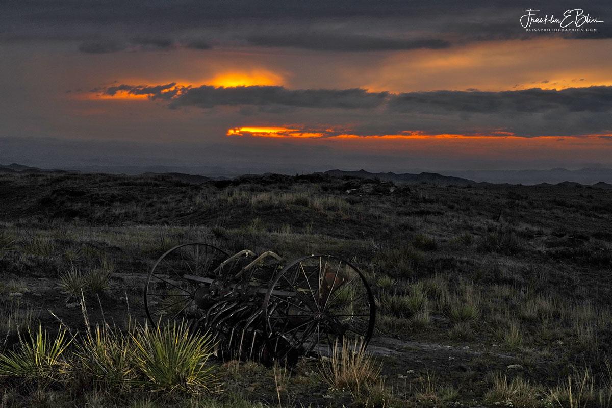 Veiled Sunset Rattlesnake Ridge