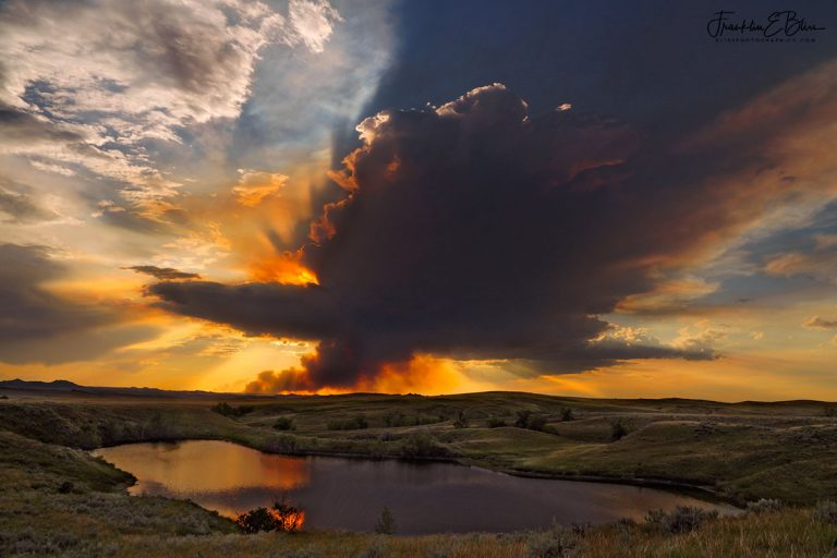 Reflections Forest Fire Plume 072320A